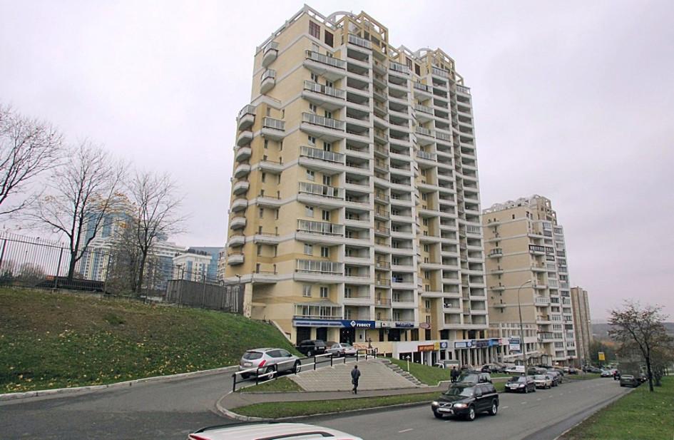 «Депутатский дом» на улице Улофа Пальме