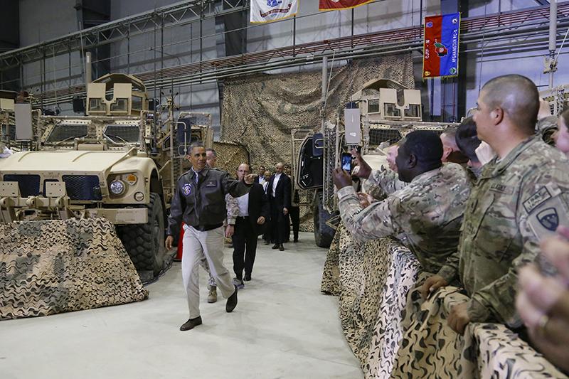 Президент США Барак Обама наамериканской военной базе Баграм вАфганистане. 2014 год