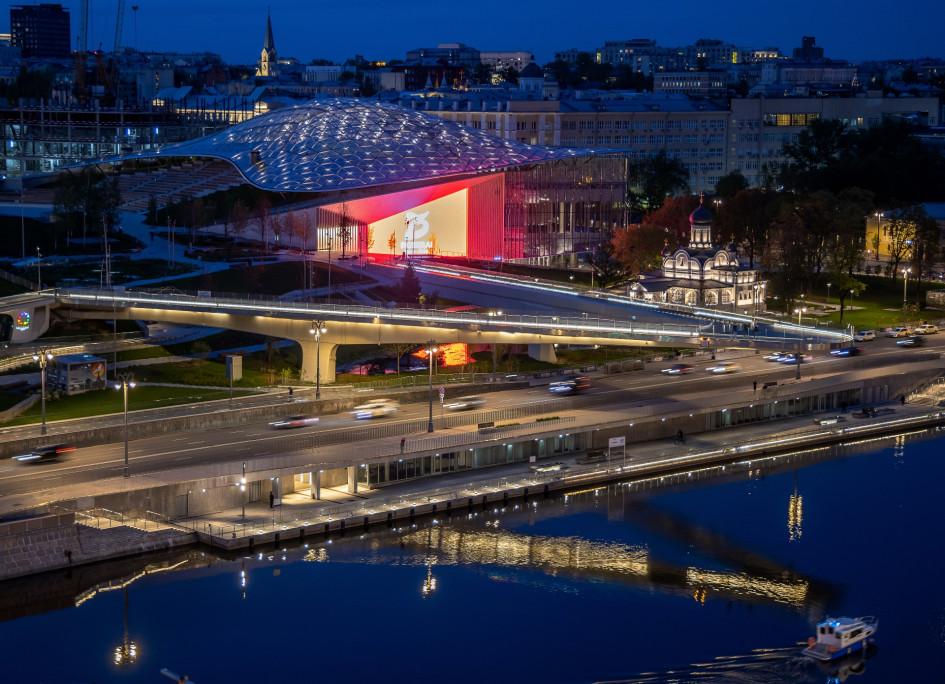Вид на парк «Зарядье» и концертный зал