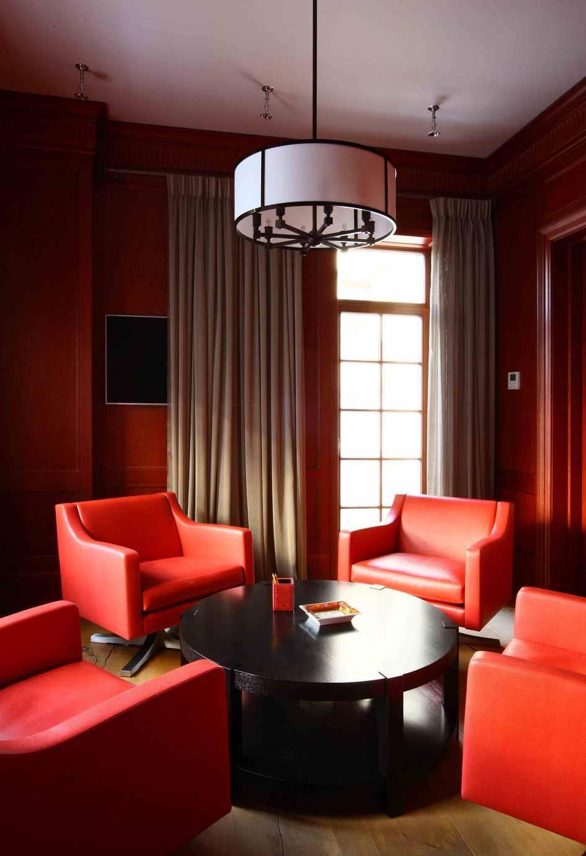 Сигарная комната в частном доме