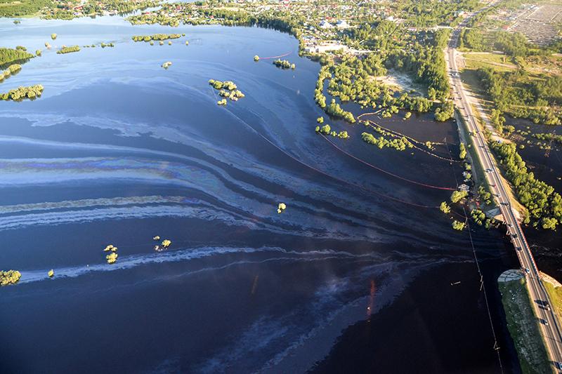 Крупный разлив нефти под Нефтеюганском, 29 июня 2015 года
