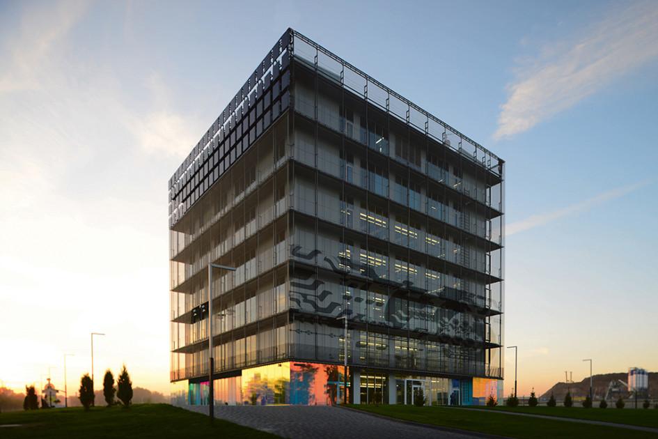 «Гиперкуб»— первое здание винновационном центре «Сколково»