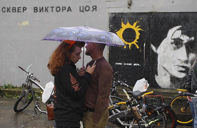 Граффитив сквере Виктора Цоя