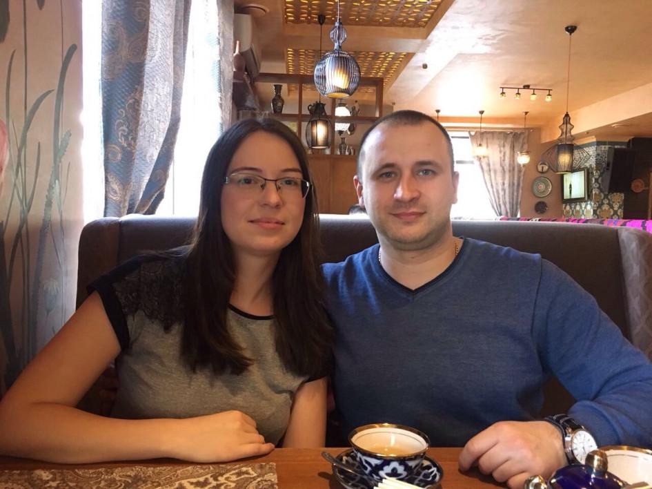 Адвокат Екатерина Герасимоваи ее муж пришли на встречу с будущим обвиняемым, чтобы предупредить его об уголовном деле.