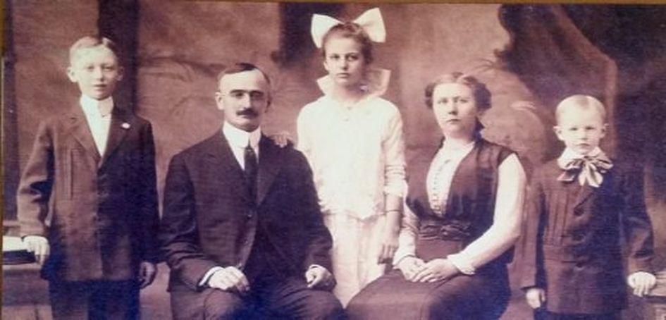 Фридрих и Элизабет Трамп с детьми