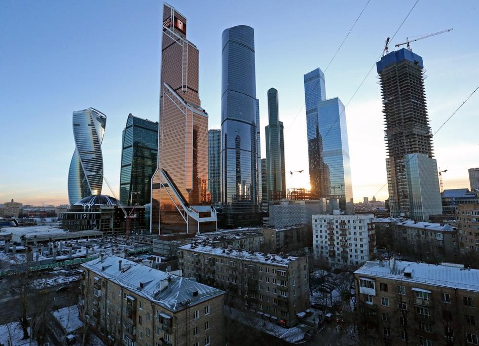 Жилые дома микрорайона «Камушки», находящиеся в списке программы реновации, и деловой центр «Москва-Сити»