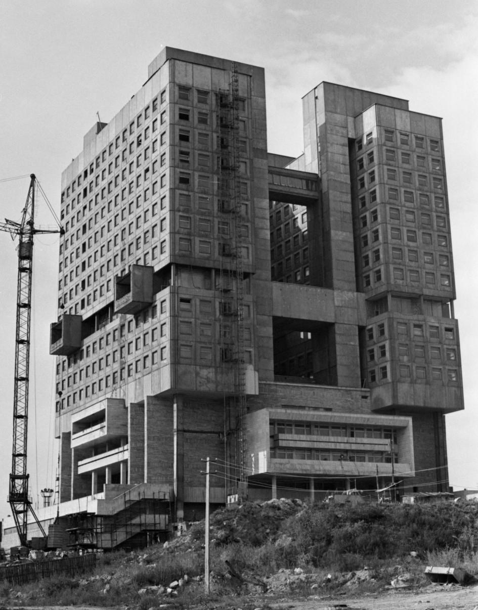 СССР. Калининград.Вид на строящиеся здание Дворца Советов. 1 ноября 1990 г.