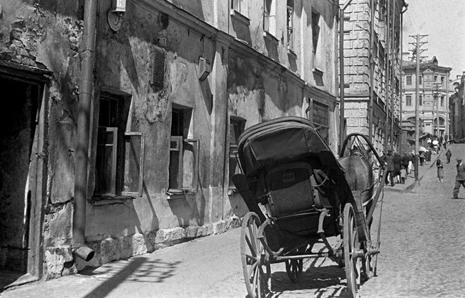 «Пейзаж» старой Москвы. Зарядьевский переулок, 1906 год