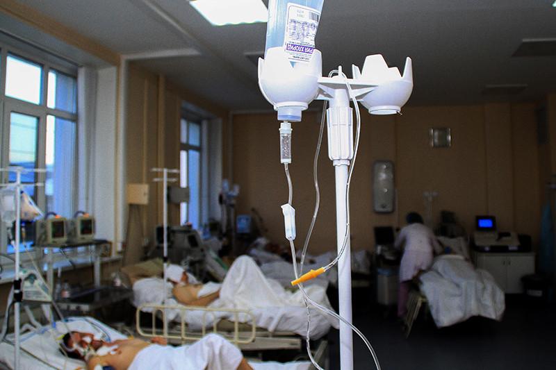 В реанимационном отделении городской клинической больницы №3, гденаходятся люди, отравившиеся концентратом дляпринятия ванн «Боярышник»