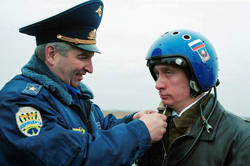 Гибель летных инструкторов Путина назвали малообъяснимой.