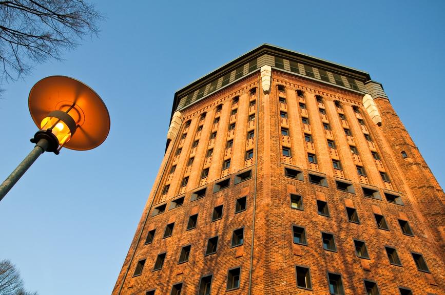 В немецком Гамбурге в шикарную гостиницу превратили старую водонапорную башню