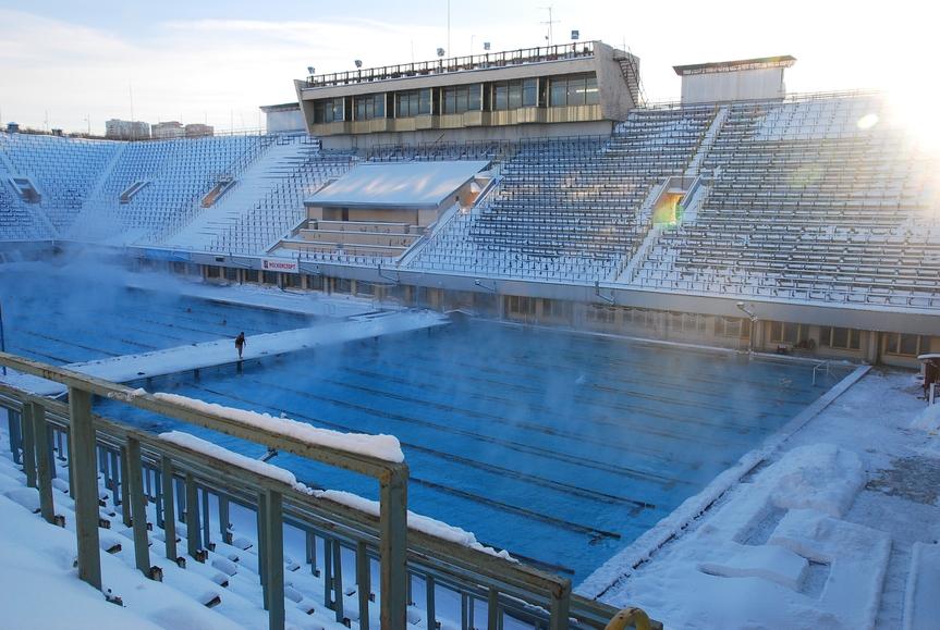 Бассейн Лужников долгое время оставался главным спортивным сооружением для проведения соревнований по водным видам спорта самого высокого уровня