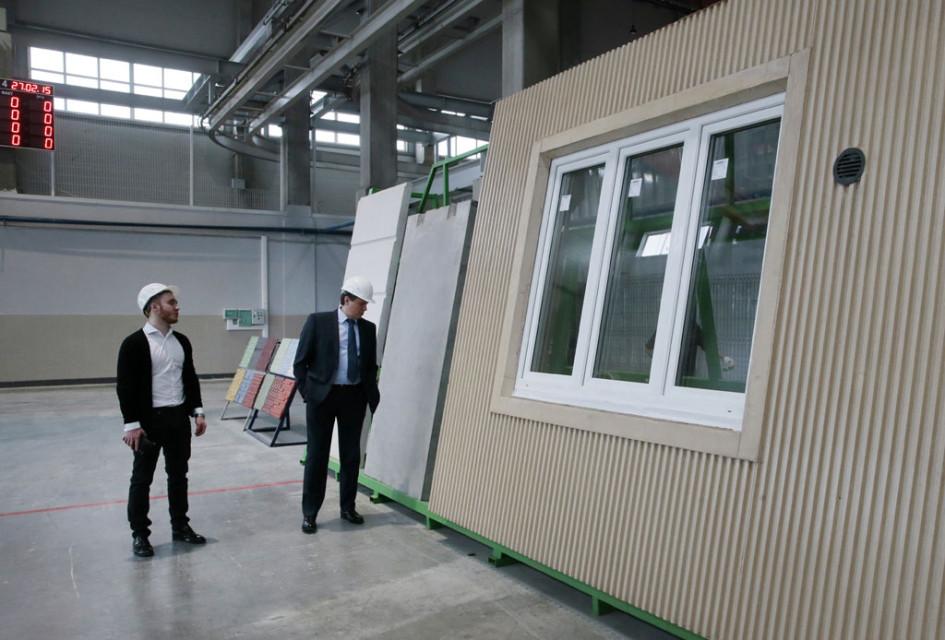 В цеху проектно-производственного комплекса ДСК «Град», которыйявляется совместным проектом «РОСНАНО» иГК «Мортон», натерритории промышленного кластера «Котово»