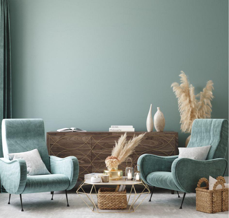 Мягкие кресла уютно смотрятся рядом