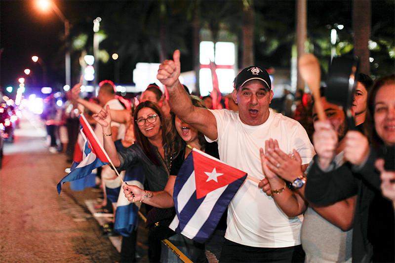 Кубинская диаспора Майами празднует смерть Фиделя Кастро