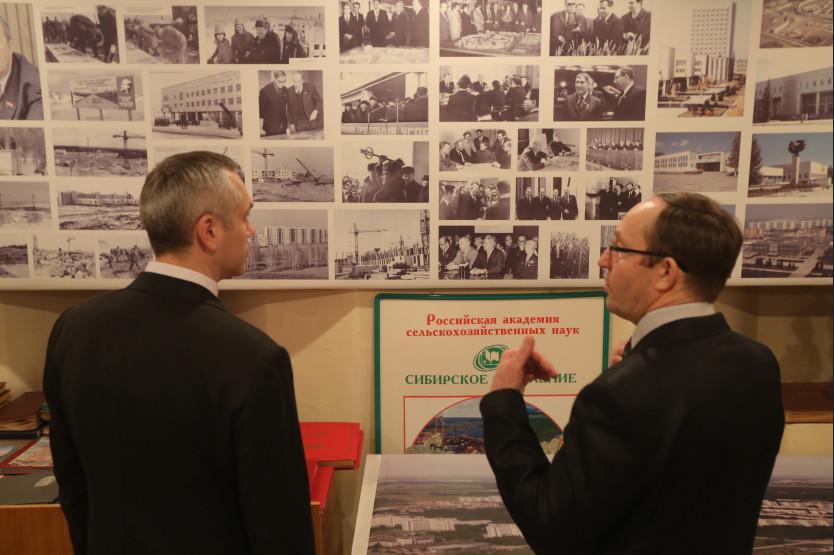 Андрей Травников и Николай Кашеваров. В начале 2018 года губернатор поддержал идею создания агротехнологического кластера, — сельскохозяйственного аналога технопарка, ориентированного на реализацию инновационных решений