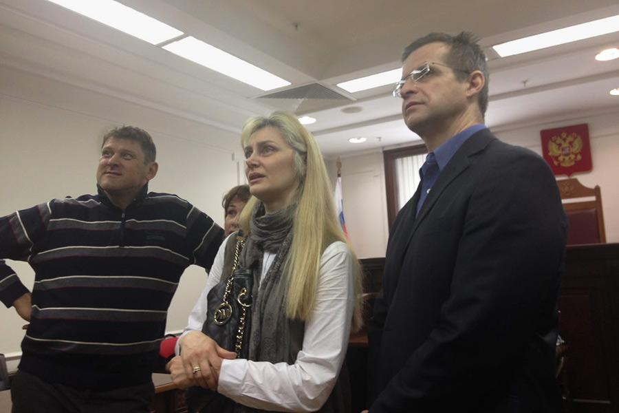 Отец Варвары Карауловой (справа)