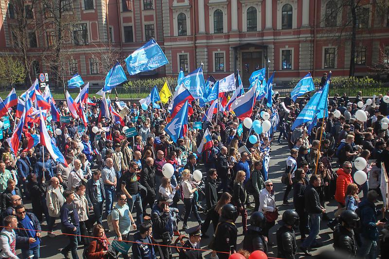Колонна объединенной оппозиции во время первомайской демонстрации