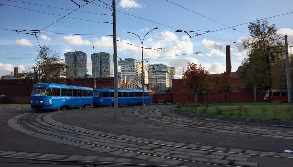 В Москве легко найти квартиры с видом на трамвайное депо и котельную — особо чувствительные покупатели могут обратить внимание на скрип и грохот трамвайных рельсов, другие оценят преимущества обжитого района и близость к центру