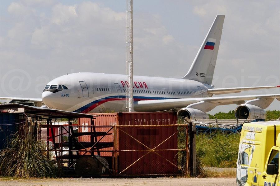 Ил-96-300 с бортовым номером RA-96023