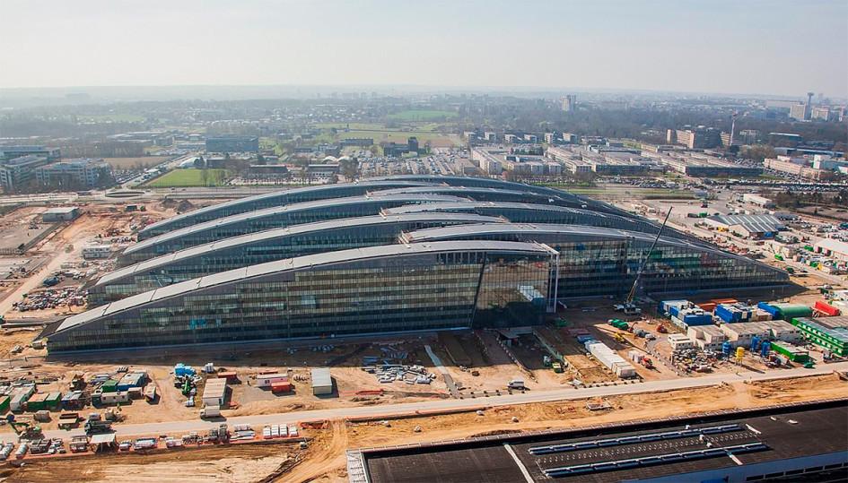 Вид на строящуюся штаб-квартиру НАТО