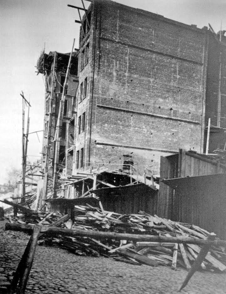 Обрушение дома в марте 1913 года