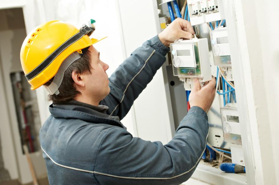Устанавливать умные счетчики нового образца должны энергосбытовые компании
