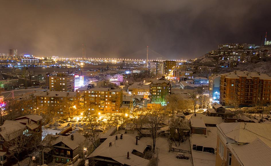 Владивосток. Вид на город во время снегопада