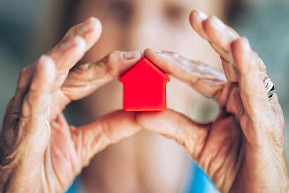 «Бабушкина квартира», если ее продают молодые собственники, также может быть сигналом плохой сделки
