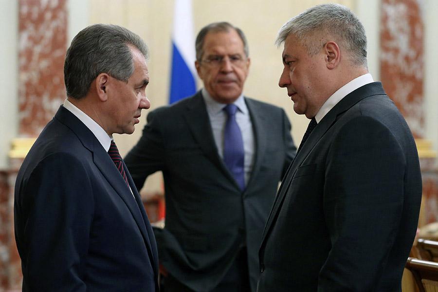 Сергей Шойгу, Сергей Лавров и Владимир Колокольцев (слева направо)