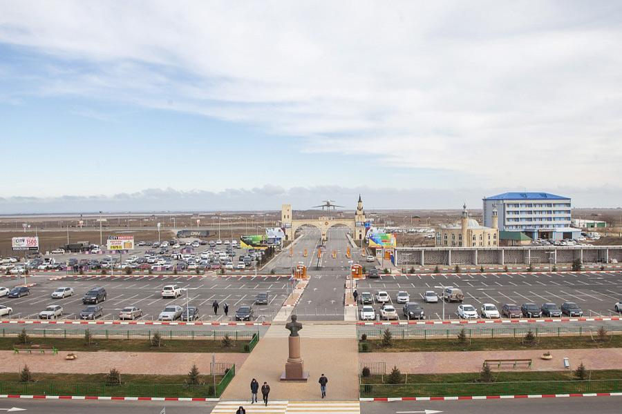 Парковка международного аэропорта Махачкалы