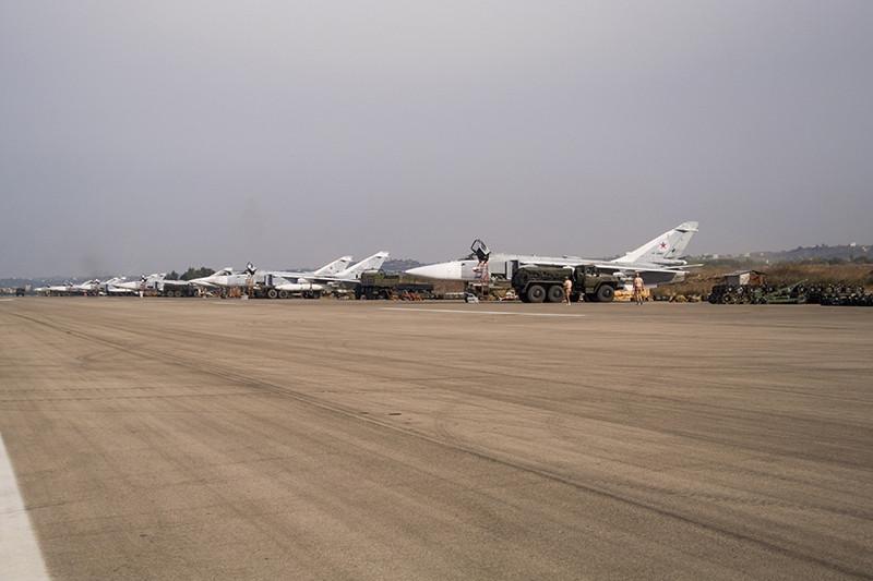 Российские самолеты на аэродромеХмеймим