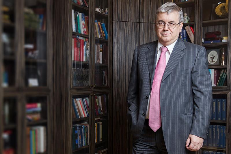 Ректор НИУ «Высшая школа экономики» Ярослав Кузьминов.О том, как зарабатывает НИУ ВШЭ, можно прочитать здесь.
