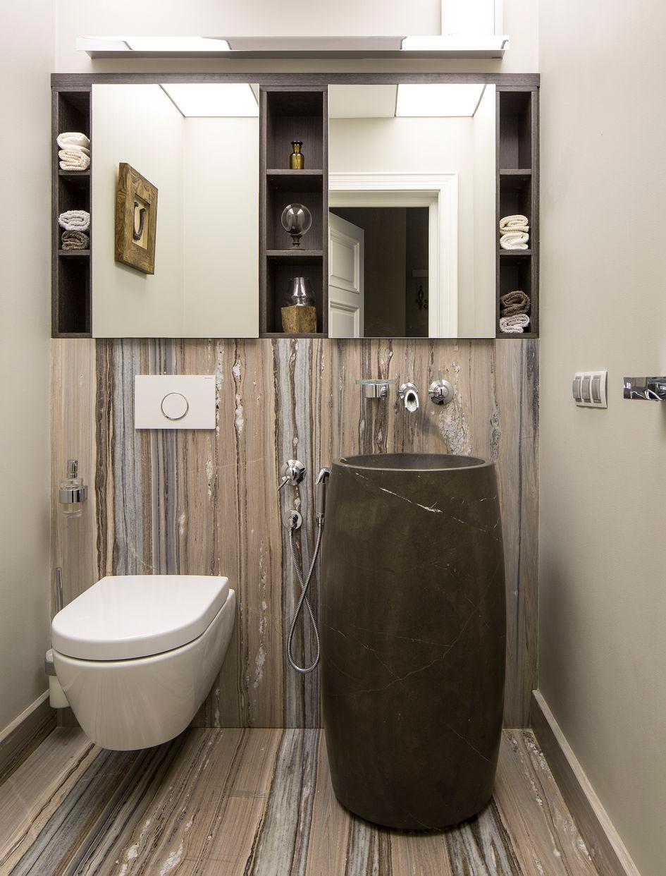 Ванная комната с природными элементами в отделке