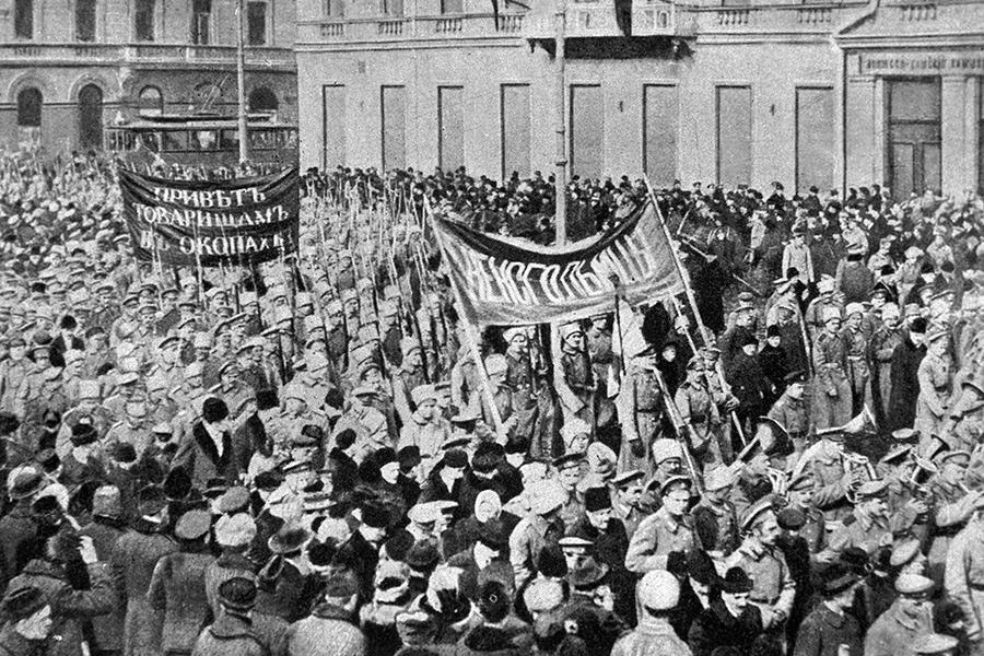 Солдатская демонстрация вПетрограде. 23 февраля 1917 года