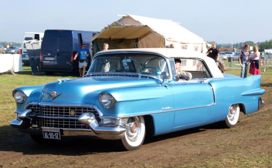 Cadillac Eldorado(1955) на Международной выставке Oldtimer Fly and Drive в 2010 году, Шаффен-Дьест, Бельгия