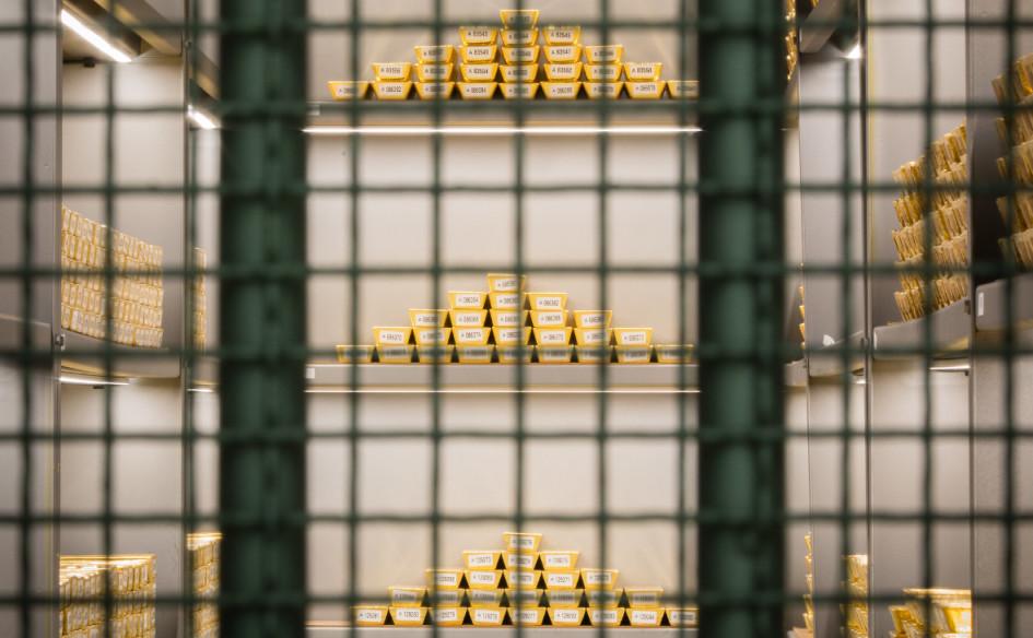 Золотые слитки в хранилище Deutsche Bundesbank