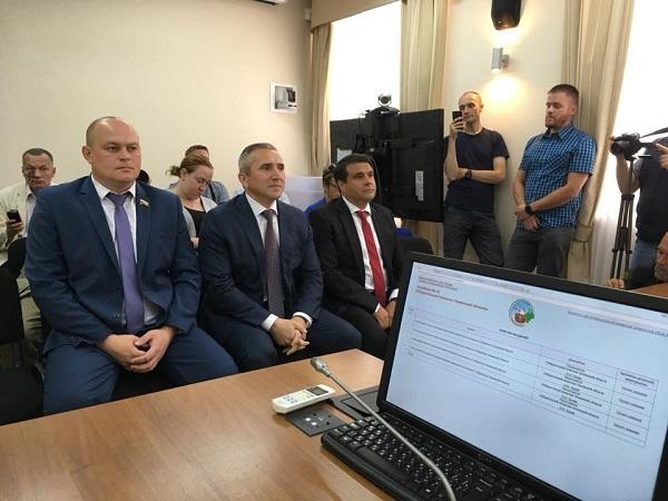 Артем Зайцев (слева), Александр Моор (в центре) и Владимир Пискайкин