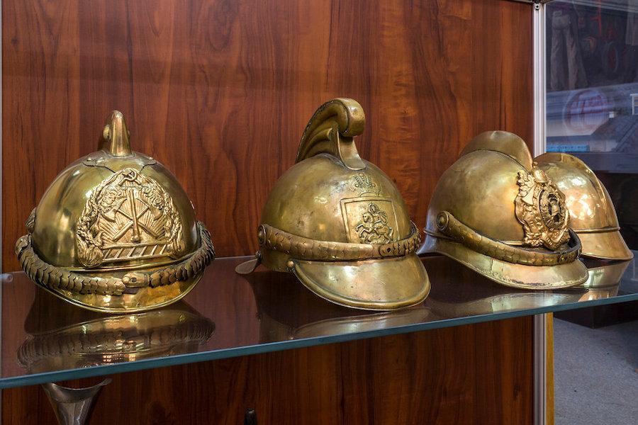 Пожарные шлемы XIX века