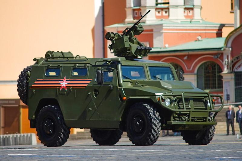 Бронеавтомобиль«Тигр-М» с новым боевым модулем «Арбалет-ДМ» на Красной площади во время военного парада, посвященного 71-й годовщине Победы в Великой Отечественной войне