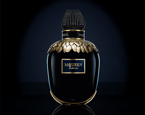Фото: fragrances.alexandermcqueen.com