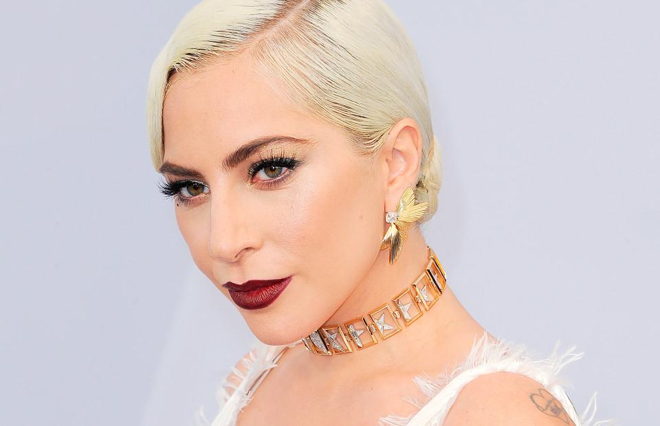 Ошибки макияжа и поиски красоты в 2019 году