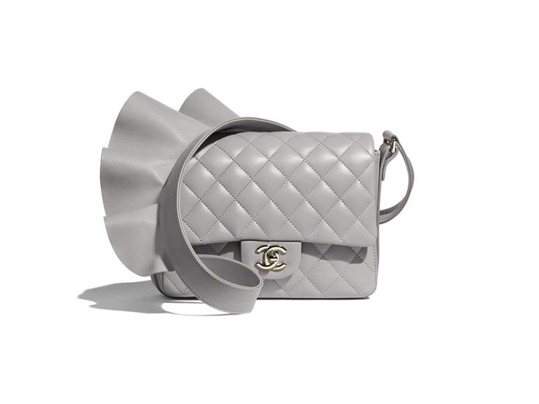 Сумка Chanel, 275 900 руб. (chanel.com)