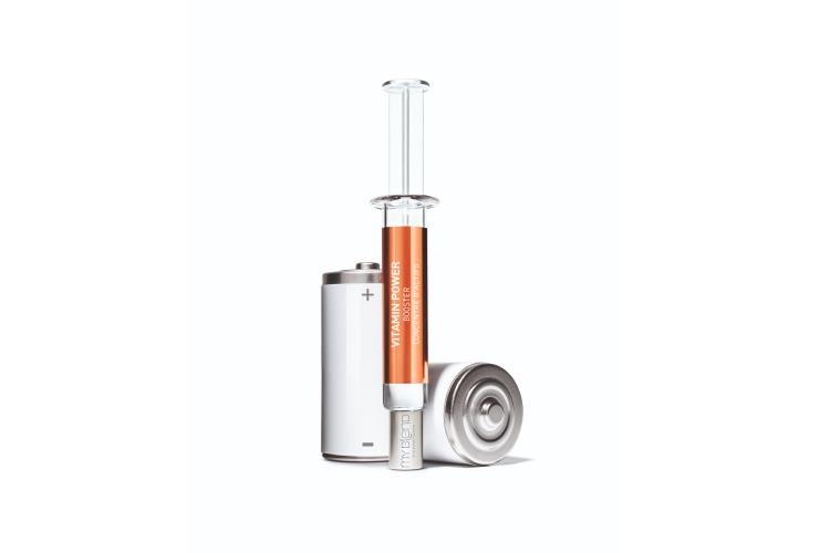 Концентрат Booster Vitamin Power, My Blend содержит линолевую кислоту для укрепления защитного барьера кожи, аскорбиновую кислоту (витамин С) и производные токоферола (витамин Е), оказывающие антиоксидантноеи защитное действие. Концентрат необходимо смешать с дневным или ночным кремом My Blend
