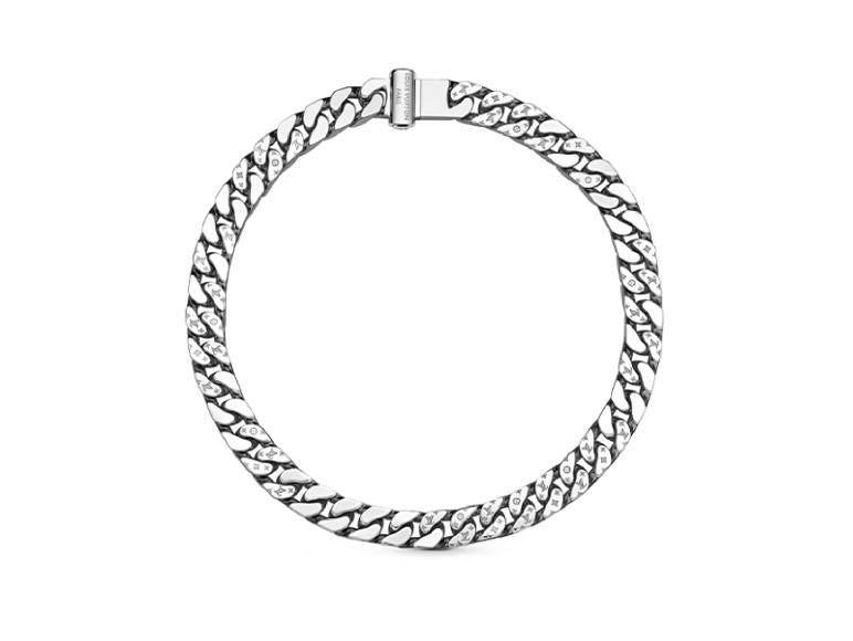 Колье Louis Vuitton, 67 500 руб. (бутики Louis Vuitton)
