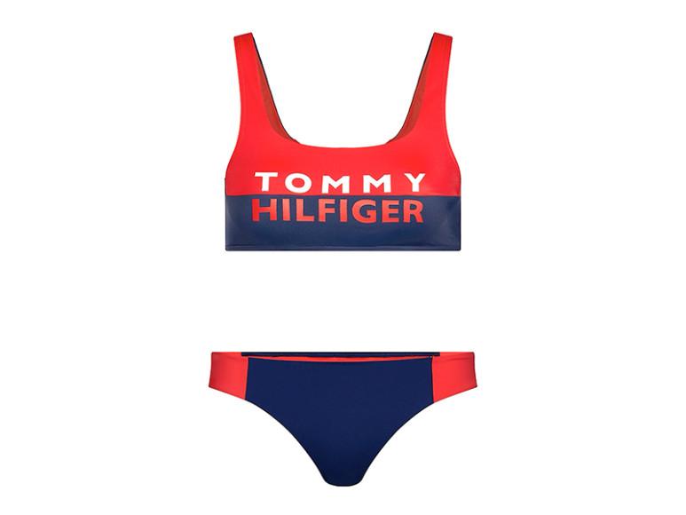 Купальник Tommy Hilfiger, верх — 4990 руб., низ — 4490 руб. (Tommy Hilfiger)