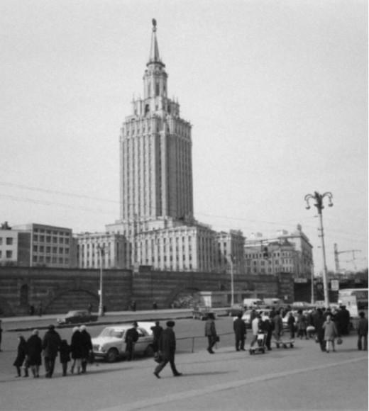 Здание отеля Hilton Ленинградская