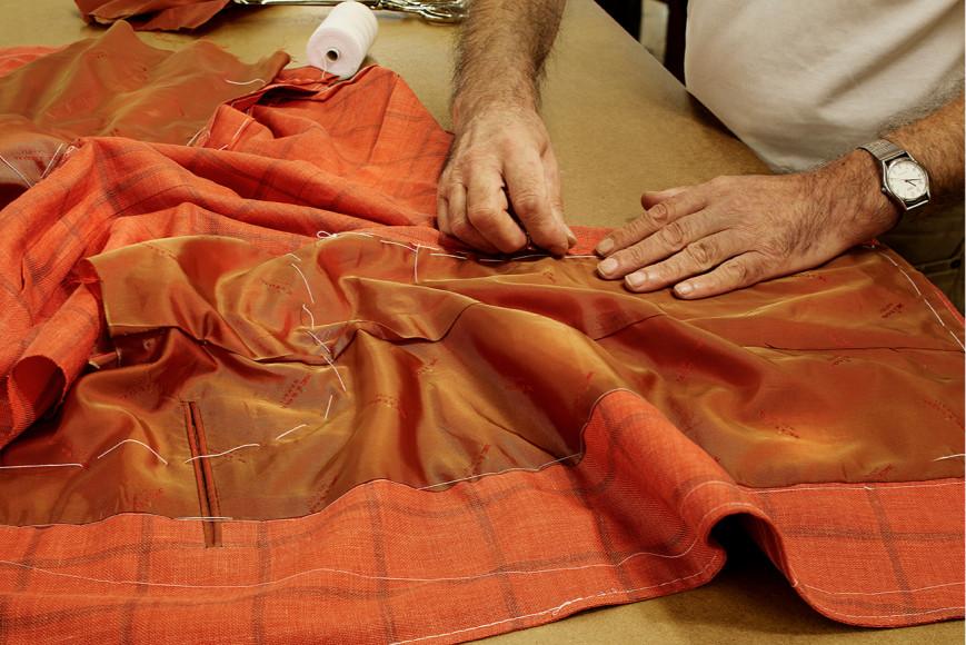 Процесс пошива костюмов Kiton
