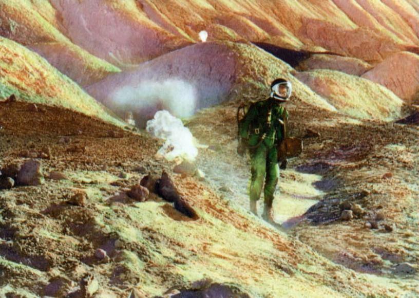 Кадр из фильма «Робинзон Крузо на Марсе»