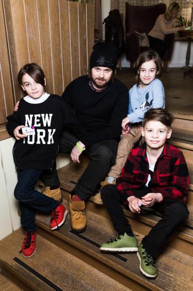 Ким Белов с детьми Филиппом, Лукой и Лизой